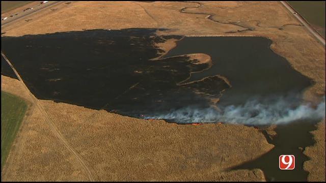WEB EXTRA: Bob Mills SkyNews 9 HD Flies Over El Reno Grass Fire