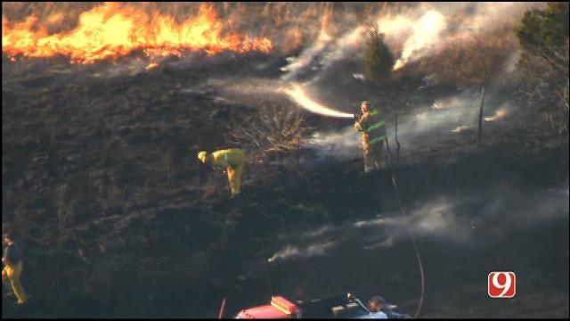 WEB EXTRA: Bob Mills SkyNews 9 HD Flies Over Chandler Grass Fire