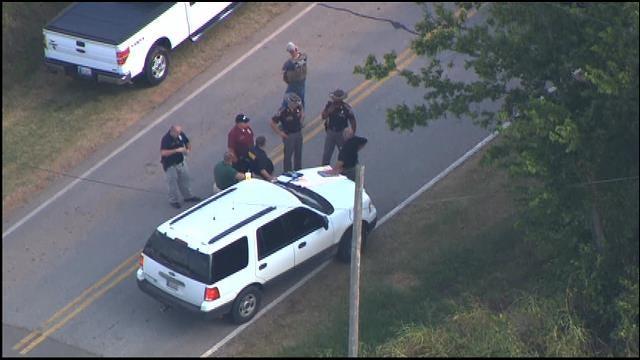 WEB EXTRA: Bob Mills SkyNews9 HD Flies Over Manhunt In Tecumseh