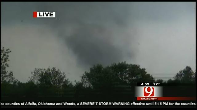 WEB EXTRA: Storm Chaser Val Castor Observes Tornado Near Wellston