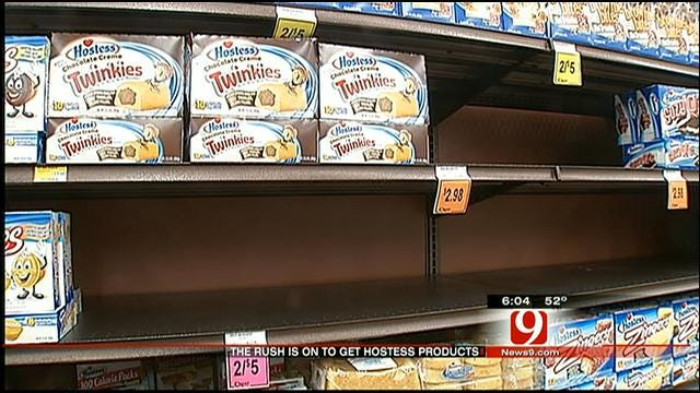 Oklahomans Stock Up On Twinkies As Hostess Goes Out Of Business