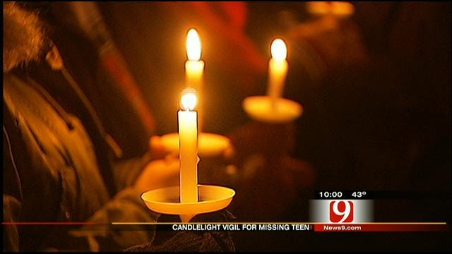 Candlelight Vigil Held For Missing Weatherford Teen