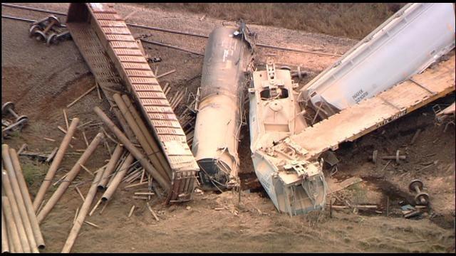 SkyNews 9 HD Flies Over Train Derailment Near Perry