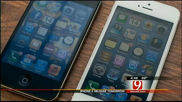 Apple's I-Phone 5 Goes On Sale Friday