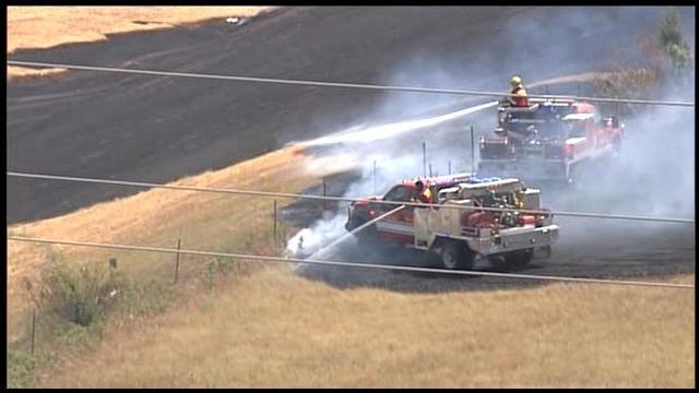 Crews Battle Grassfire At I-240 & Douglas