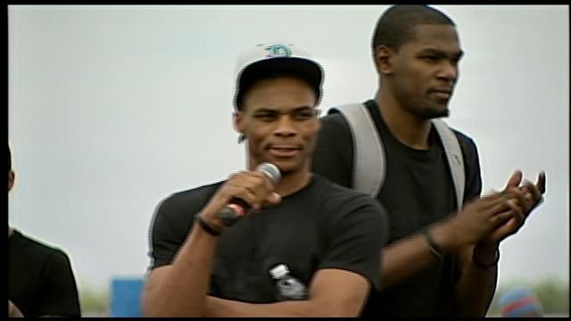 Russell Westbrook, Scott Brooks, James Harden Greet Fans At OKC Airport