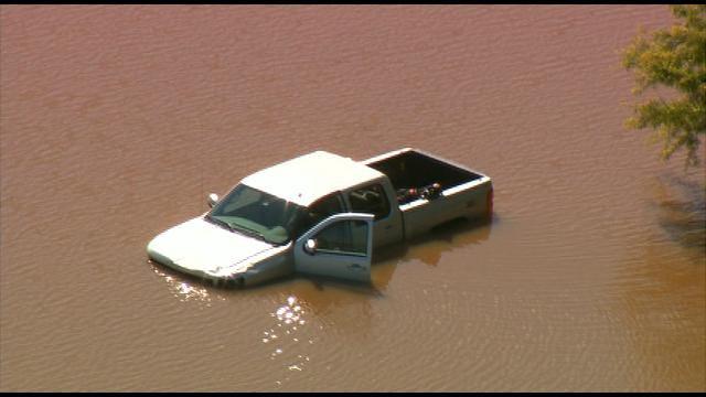 SkyNews 9: Pickup Truck Crashes Into Pond In OKC