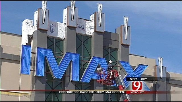 IMAX Theater Lifts Moore Into the 'Big Time'
