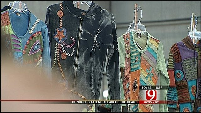 Thousands Pack State Fairgrounds For 'Affair Of The Heart'