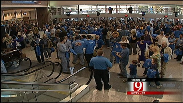 Oklahoma City Police Crack Down Scalpers At Thunder Games