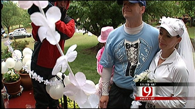 Couple Weds In The Middle Of OKC Half Marathon