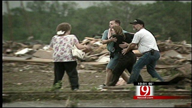 Oklahoma Native Helps Those Devastated By Tuscaloosa Tornado