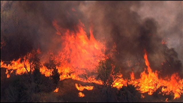 Wildfire Threatens Numerous Structures In N.E. OKC