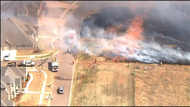 Flames Come Close To Homes In Canadian County