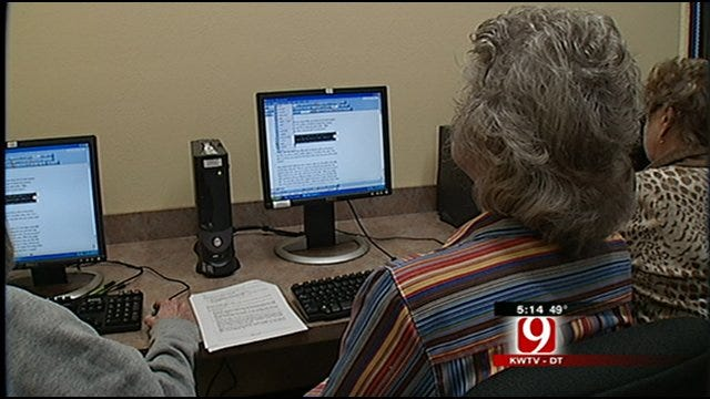 Baby Boomers Staying Connected With Computer Classes, Facebook
