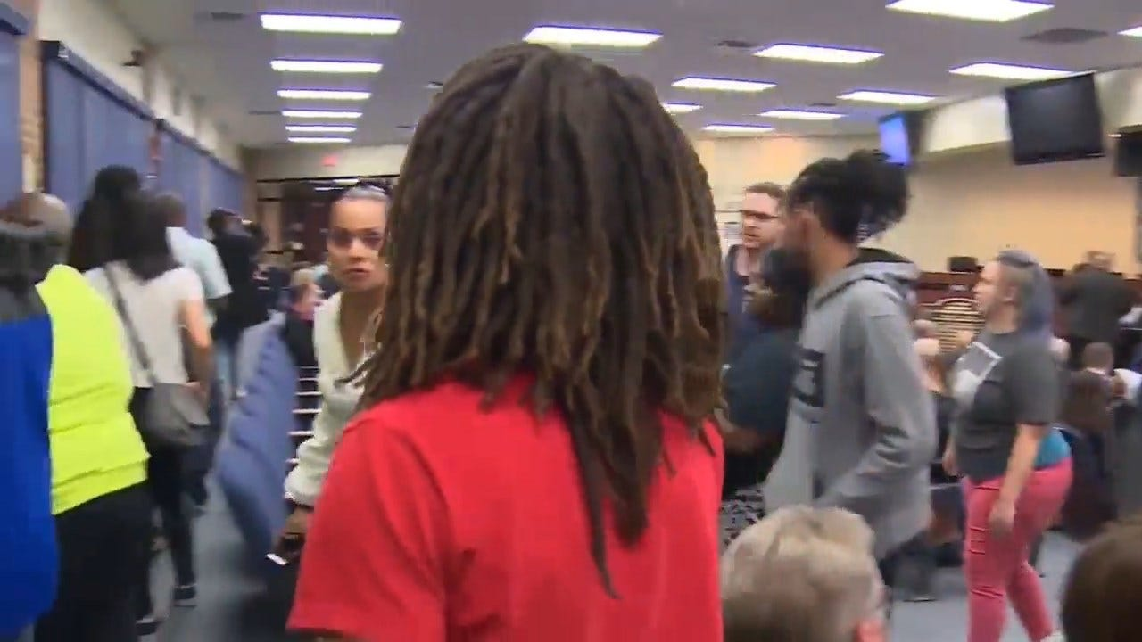 Texas Teen Told He Won't Be Able To Walk At Graduation Unless He Cuts His Dreadlocks
