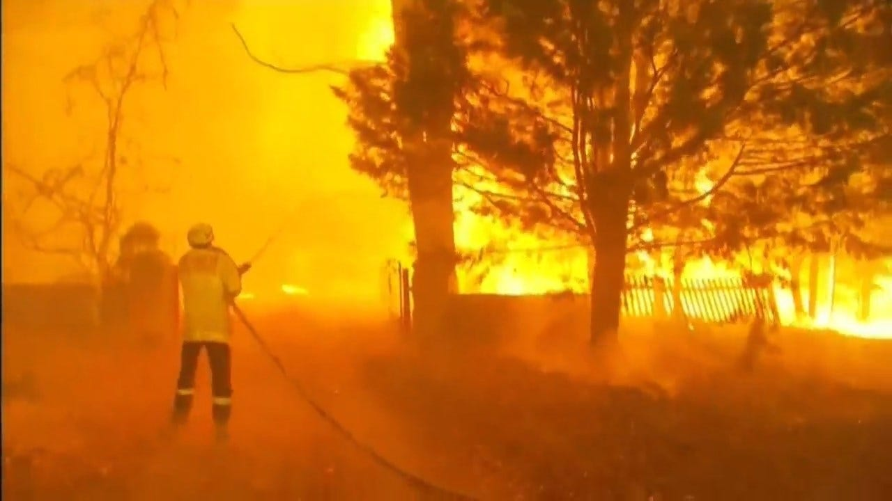 Critics Slam Decision To Go Ahead With New Year's Fireworks In Sydney During Wildfire Crisis