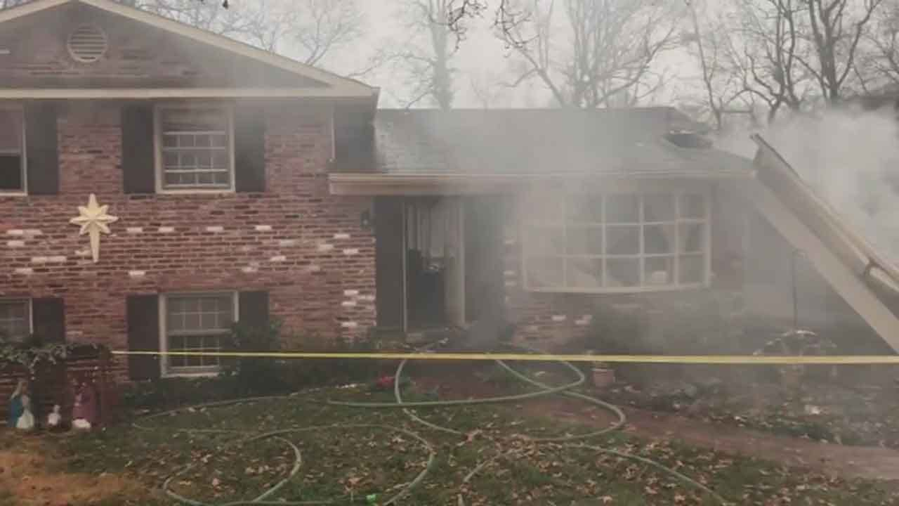 Official: 1 Dead From Plane Crash In Maryland Neighborhood