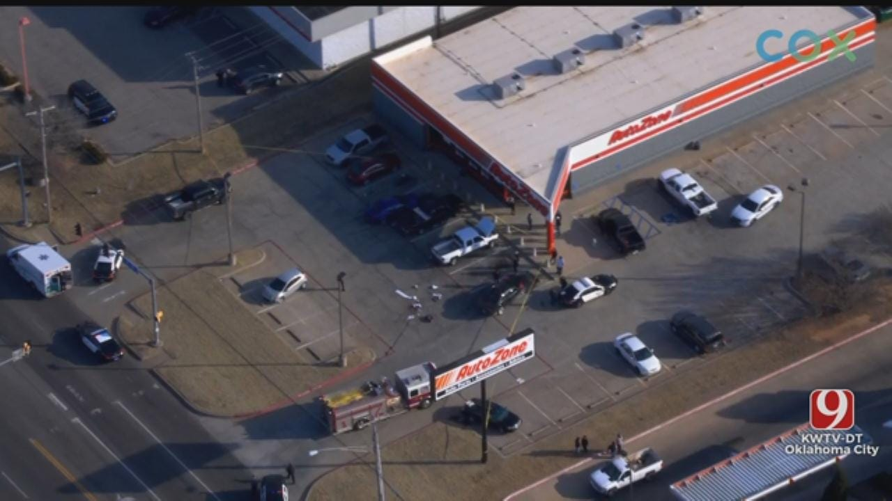 WATCH: Bob Mills SkyNews 9 HD Flies Over Scene After Shooting At MWC AutoZone