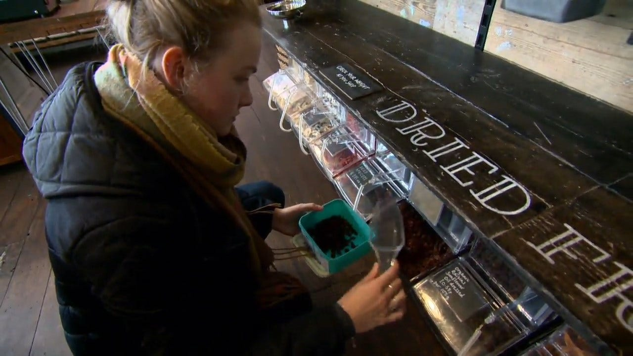 Grocery Stores Step Away From Plastic Containers As Zero Waste Revolution Gains Steam