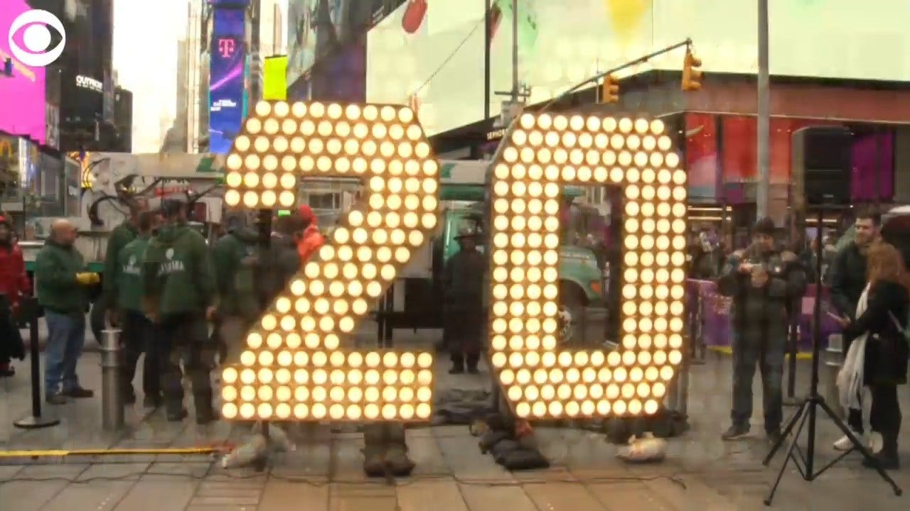 WATCH: The New Year Numerals Arrive In Time Square