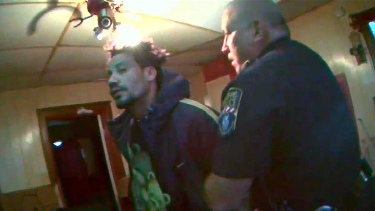 WATCH: Police Capture Escaped Inmate At Mom's House In Guthrie