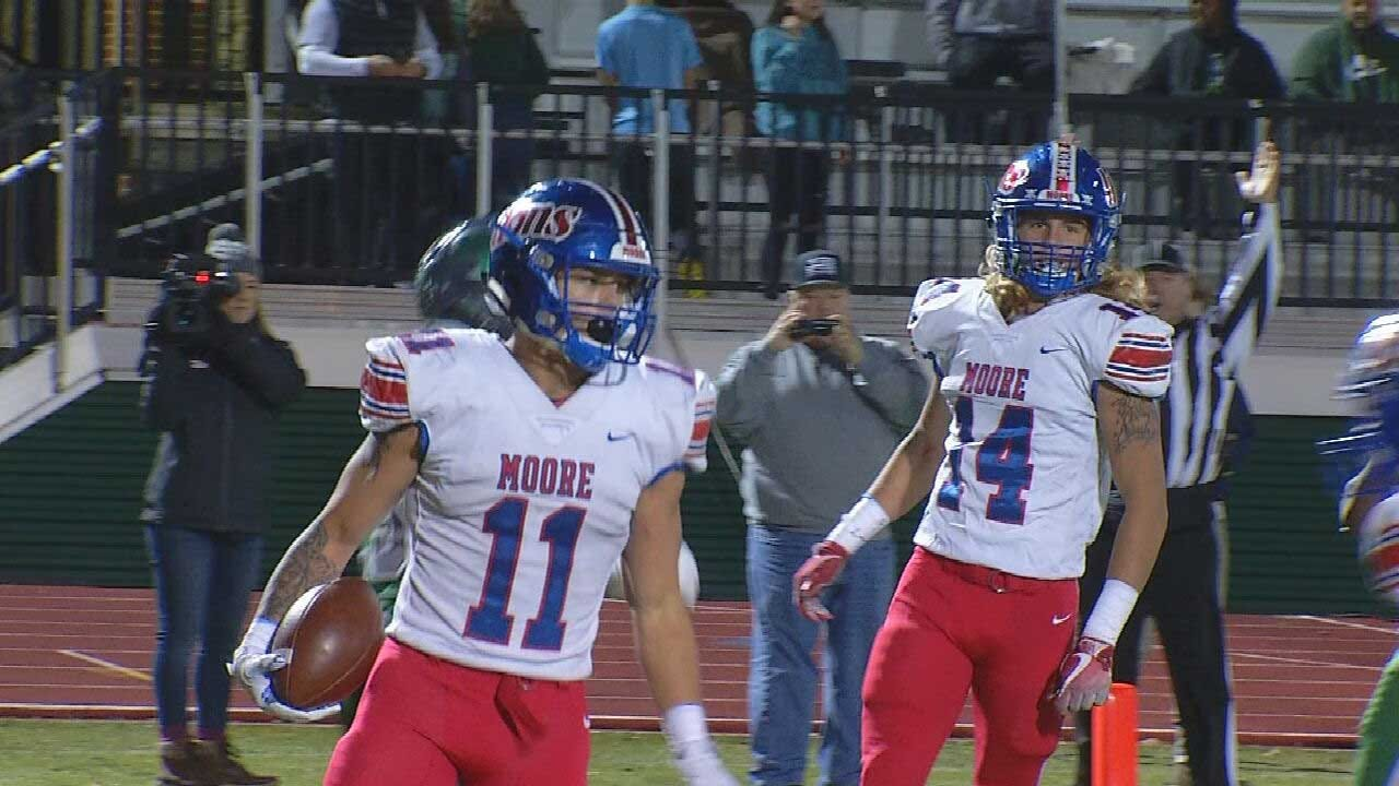 Moore Upsets Edmond Santa Fe In Playoffs