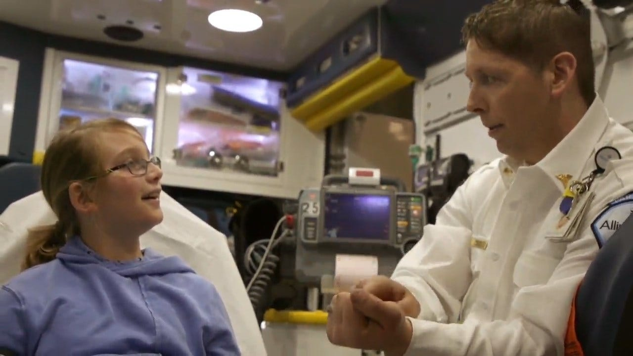 Paramedic Finds Magic Solution To Keep Kids Calm During Emergencies