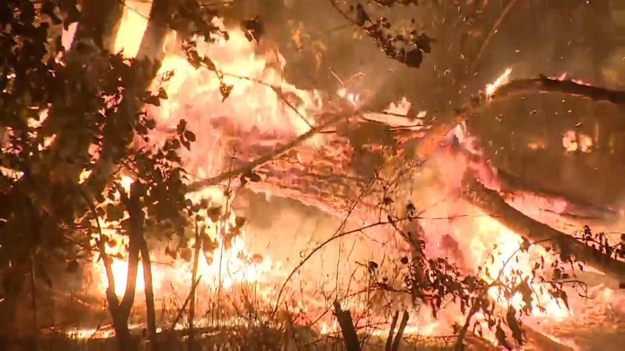 Southern California Copes With More Wildfires Even As Winds Up North Subside