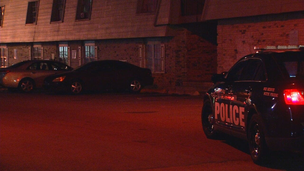 OKC Police Investigating Shooting Near Lamplight Apartments; Victim In Critical Condition