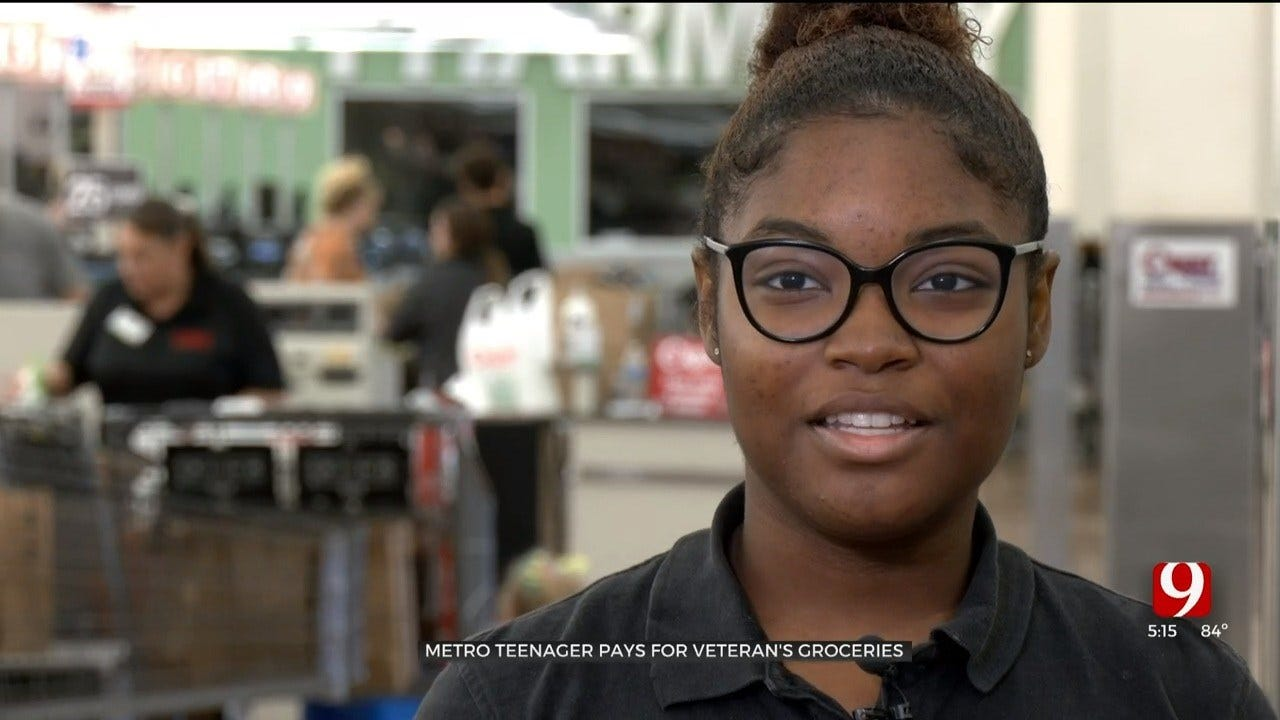 Metro High School Student Pays Veteran's Grocery Bill After Losing Check