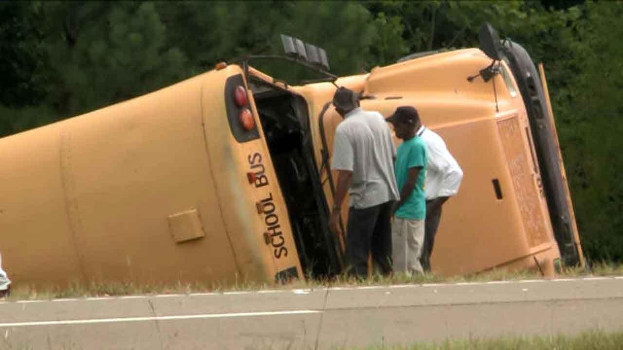 School Bus Driver Killed, 7 Students Injured In Crash Off Mississippi Highway