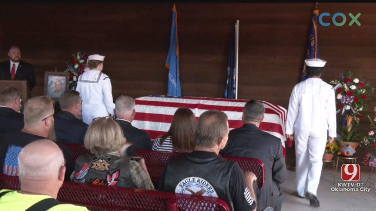 RAW VIDEO: Public Gathers For WWII Veteran's Funeral In Perry