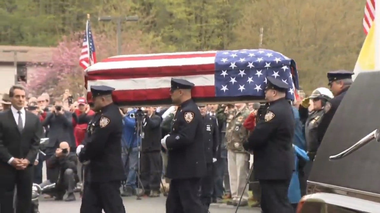 Hundreds Attend The Funeral Of WWII Vet Without Family