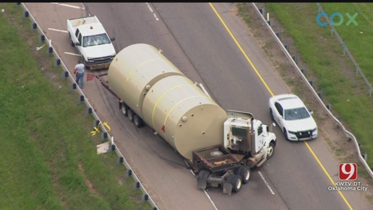 Tractor-Trailer Jackknifes On SB I-35 In NE OKC