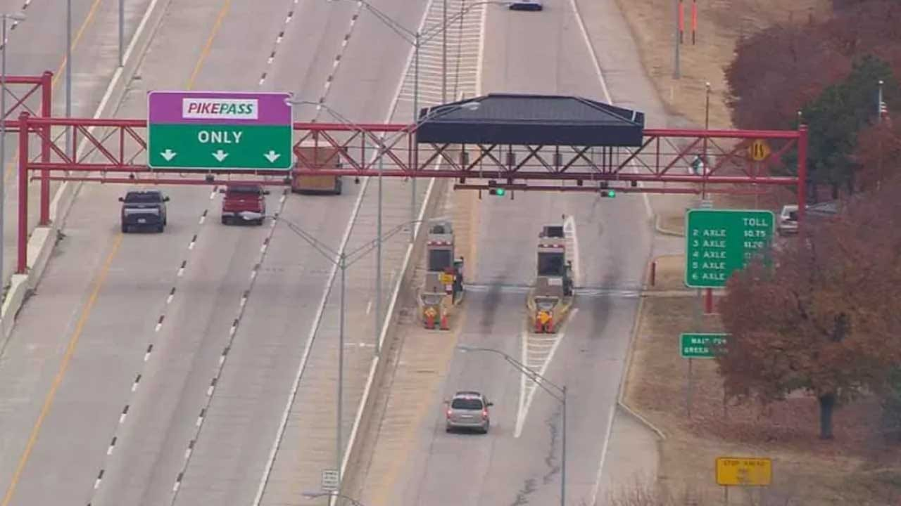 Governor Stitt Signs Bill To Increase Speed Limit On Oklahoma Turnpikes