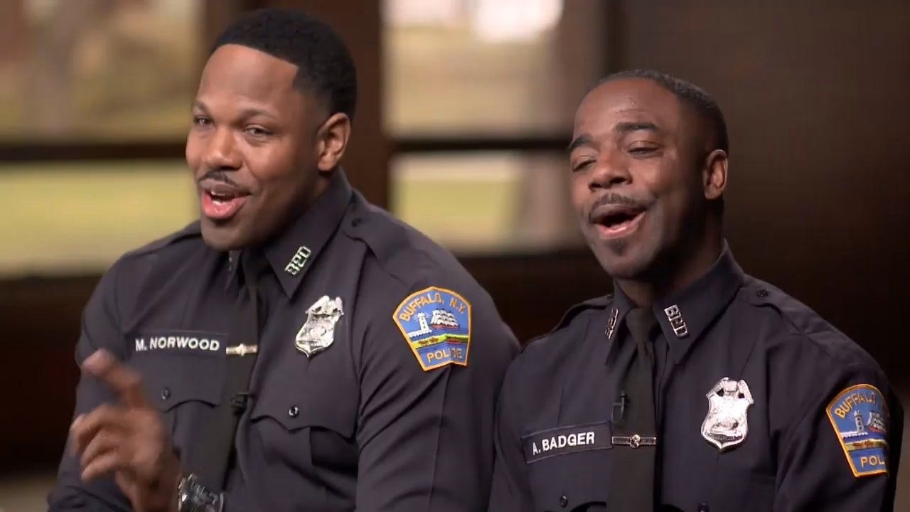 2 Cops Are Uniting Their Community Through Singing