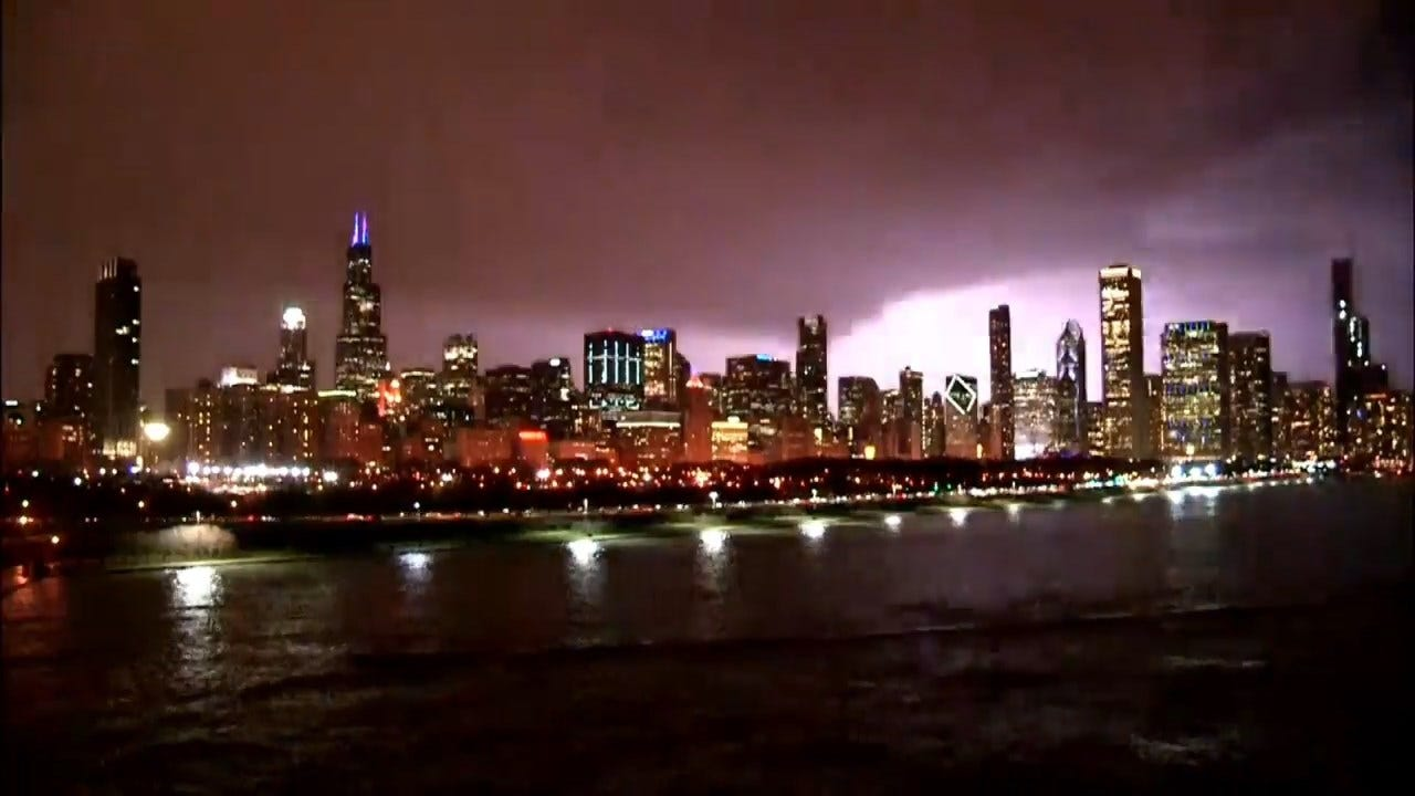 Caught On Camera: Lightning In Chicago