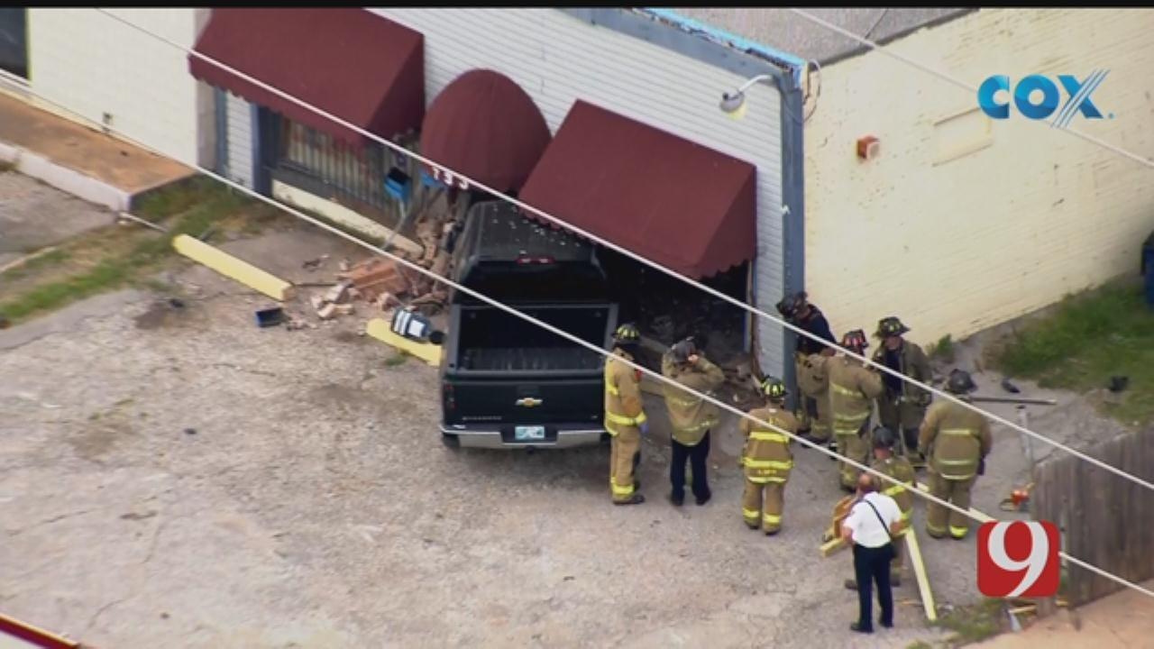Pickup Crashes Into NW OKC Building