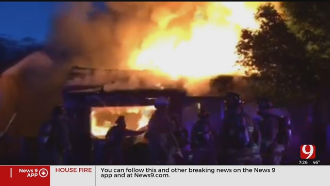 Firefighters Extinguish Large House Fire In NW Oklahoma City