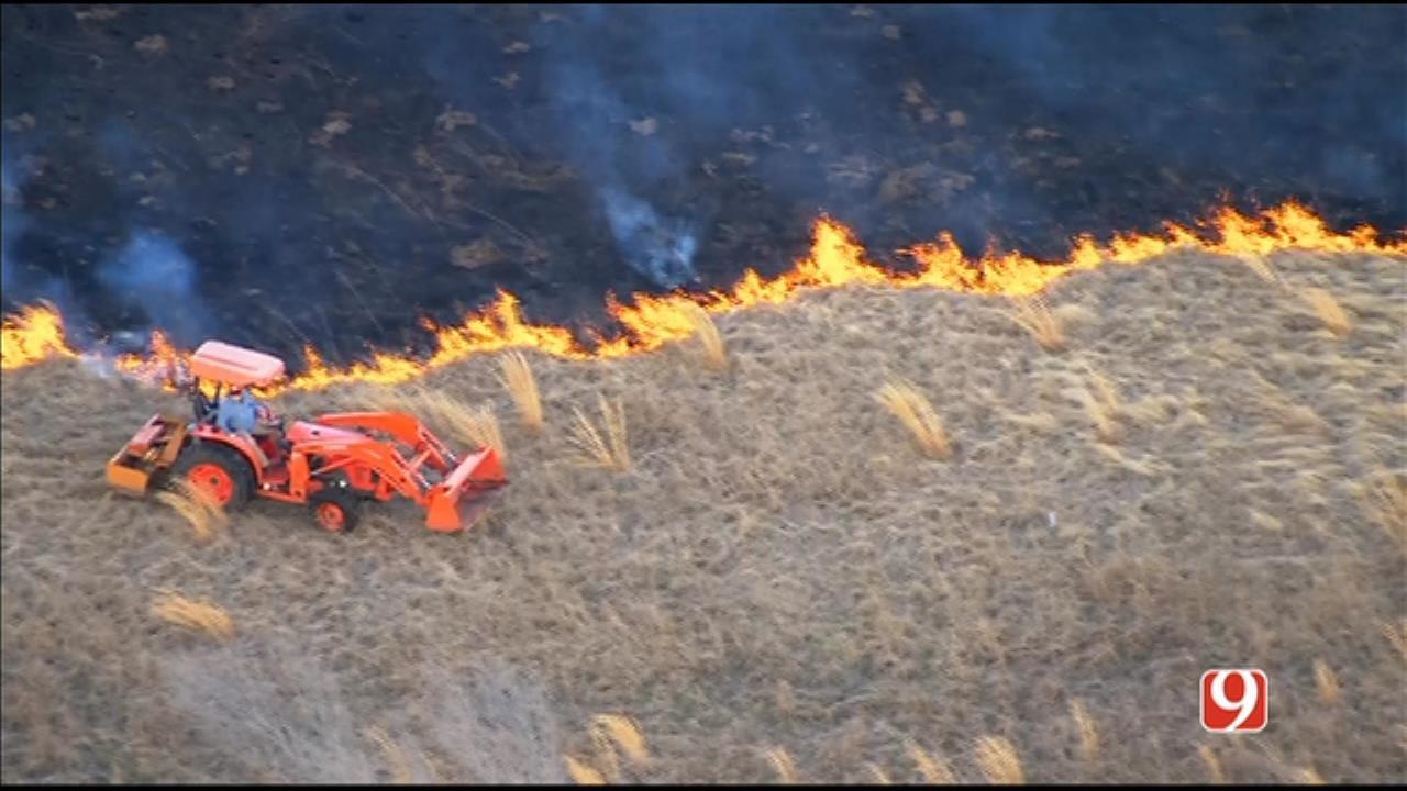 Bob Mills SkyNews 9 Flies Over Wildfire Near Shawnee