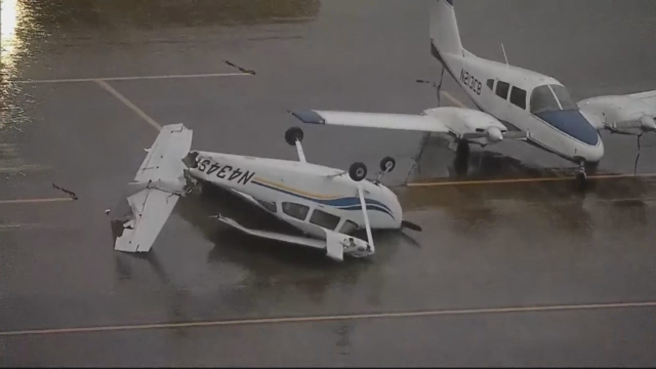 Powerful Winds Overturns Small Planes In Texas