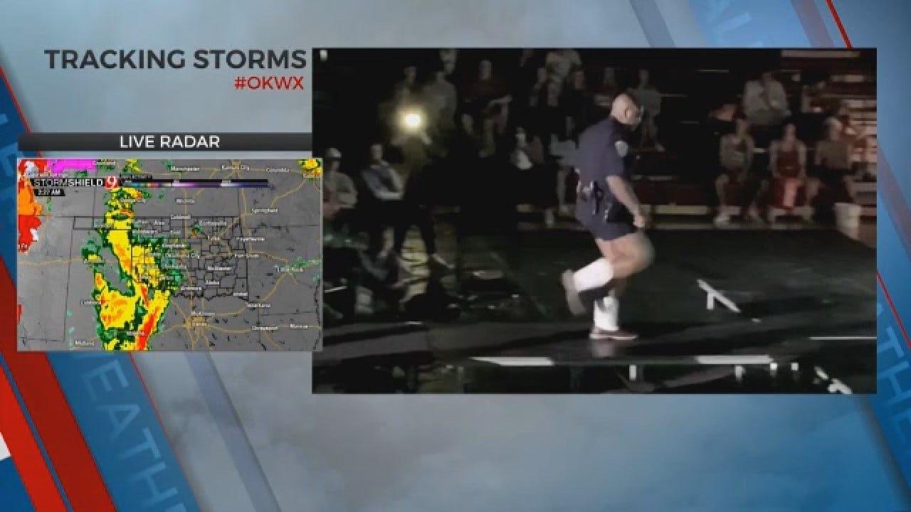 Edmond Police Officer Dances For 'Mangeant' Night