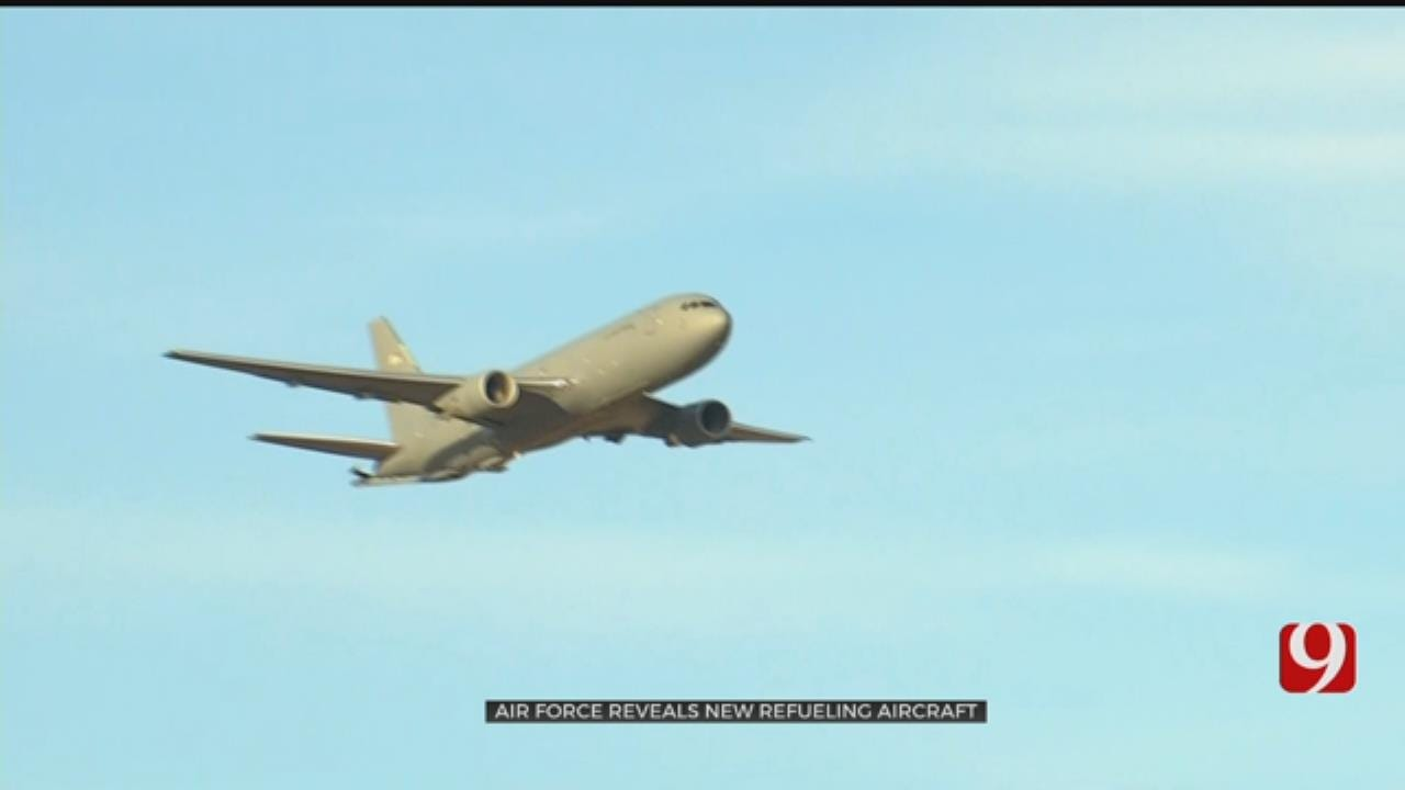 US Air Force Rolls Out Refueling Aircraft In Altus