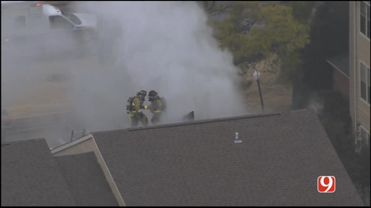 Bob Mills SkyNews 9 Flies Over NW OKC Apartment Fire