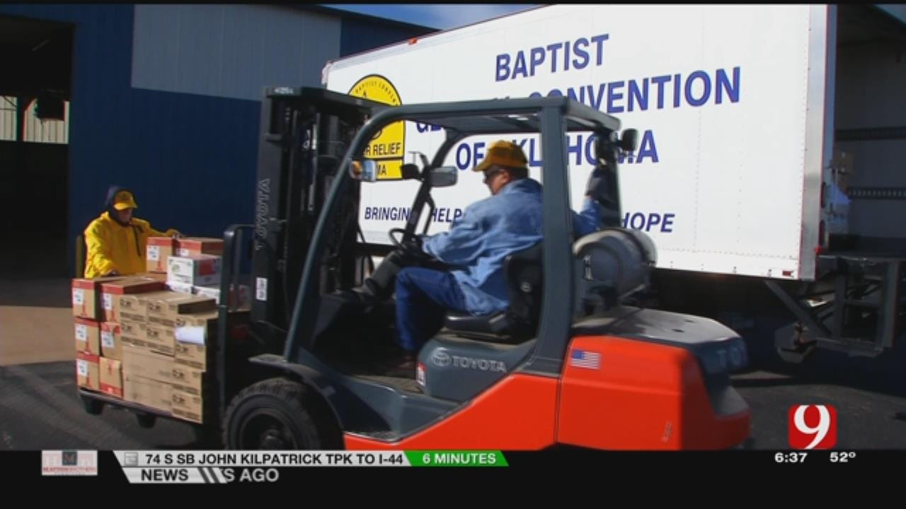 Volunteers From Oklahoma Baptist Disaster Relief Provide Food For Furloughed Workers