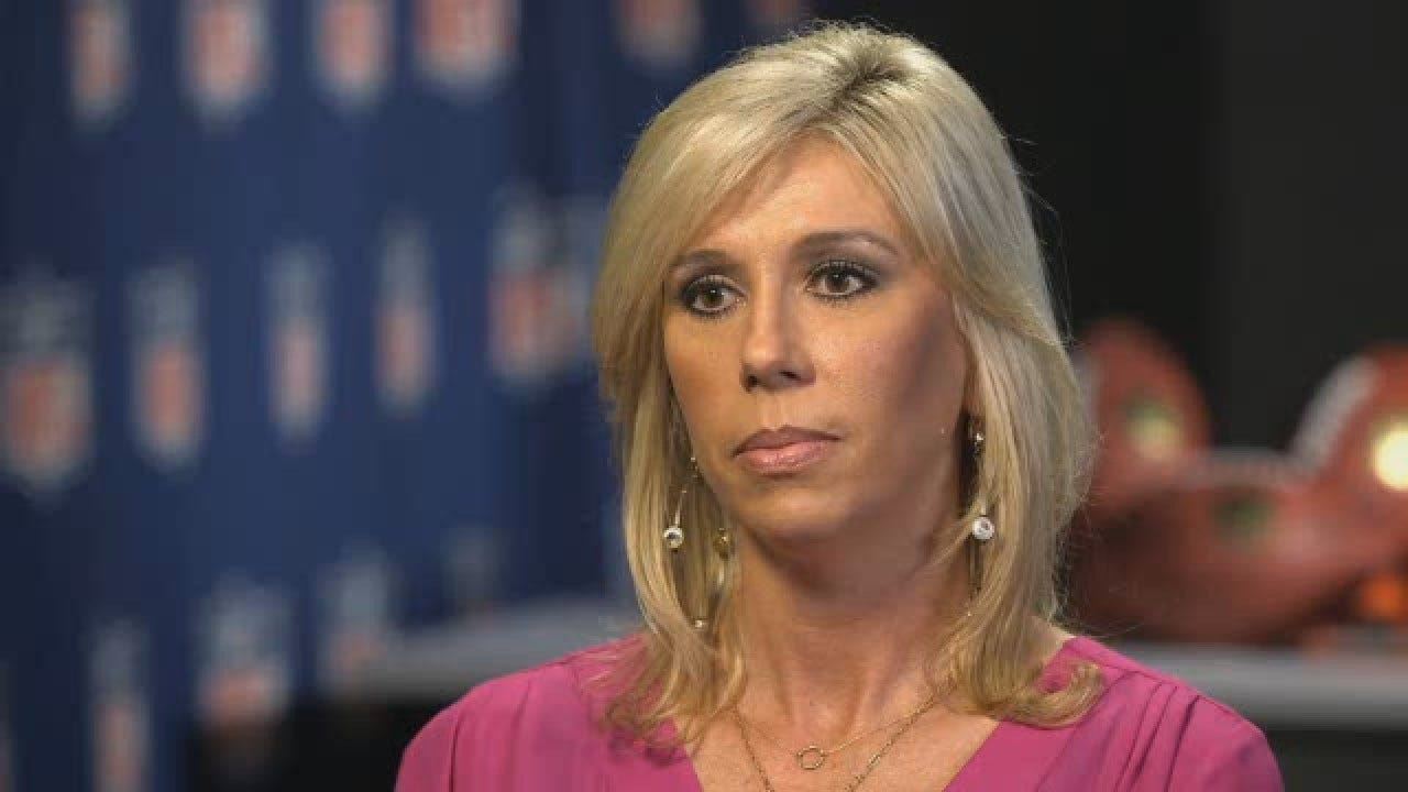 Sarah Thomas Makes History As First Woman To Officiate NFL Playoff Game