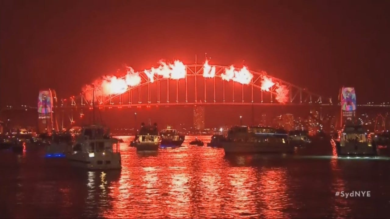 Fireworks Delight Crowds As Australia Welcomes 2019
