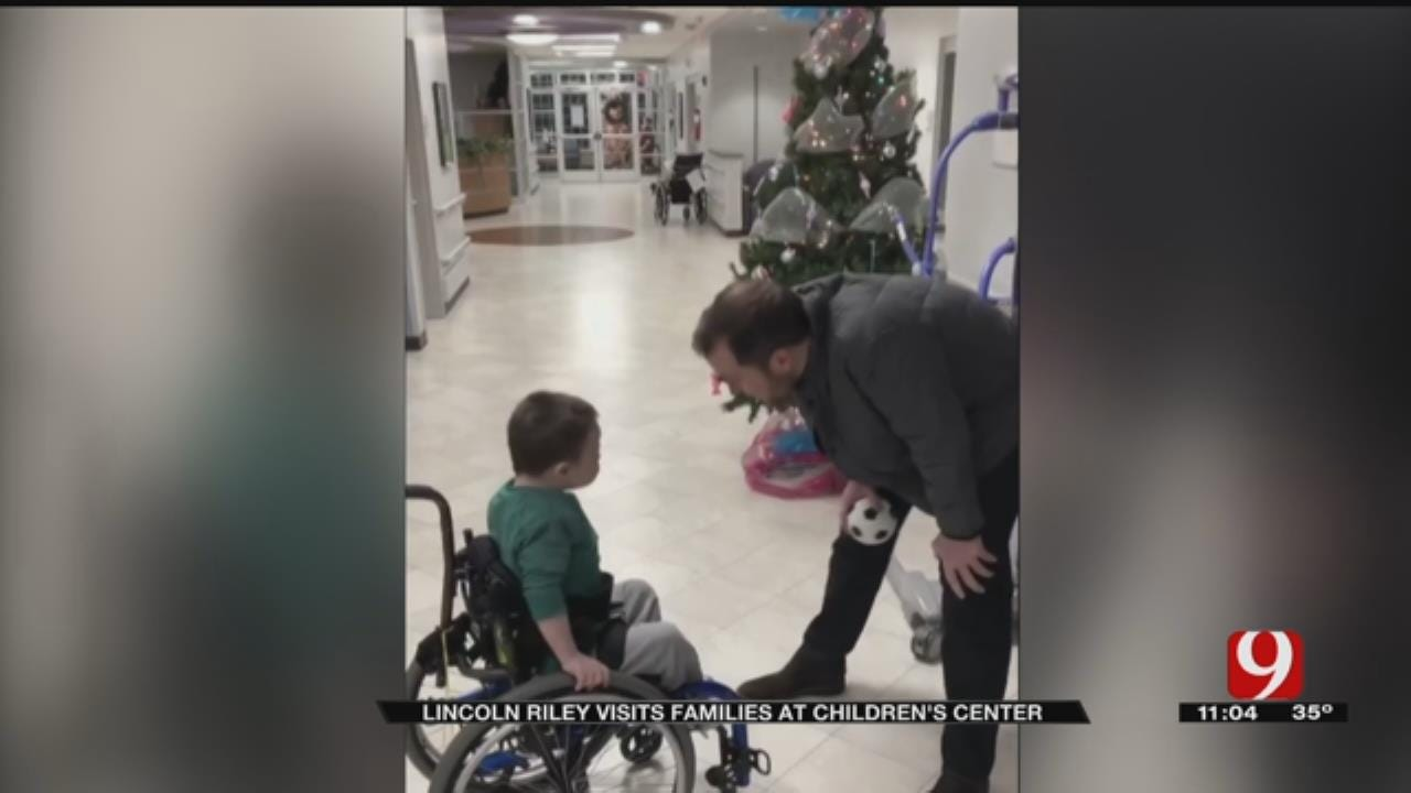 Dad Surprised By OU Coach Lincoln Riley's Visit With Son