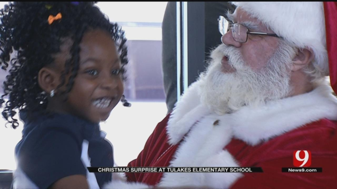 Santa Brings Gifts To Putnam City Elementary Students